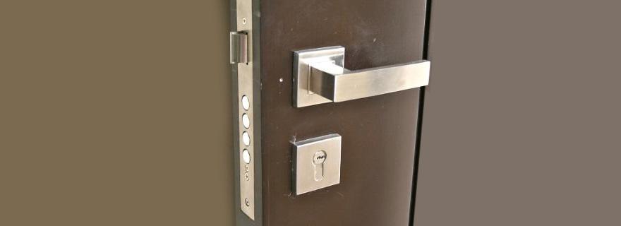 Установка замков на железную (металлическую) дверь