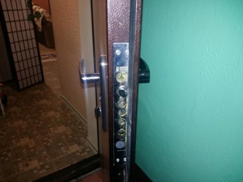 Замена замка Border в металлической двери Torex