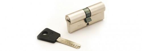 Цилиндр замка Mul-T-Lock (7Х7) L 71 Ф 31 U*40кл/кноб никель с установкой