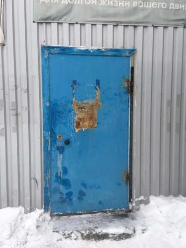 Входная уличная металлическая дверь