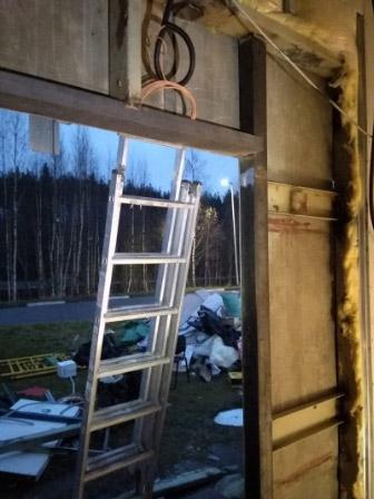 Металлическая конструкция под установку двери