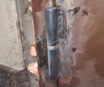 Замена петель сваркой на входной уличной двери