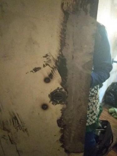 Восстановленный фрагмент металлической двери после сварки