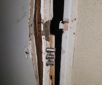 Ремонт двери сваркой и замена замка после вскрытия МЧС